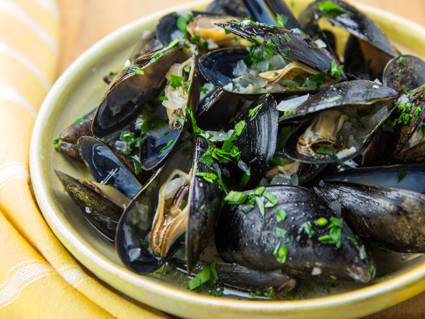 mussles-wine-sauce