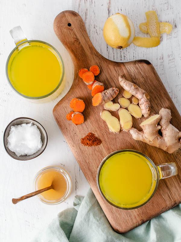 ginger and turmeric tea